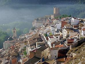 Vista del pueblo Alcalá del Júcar 1