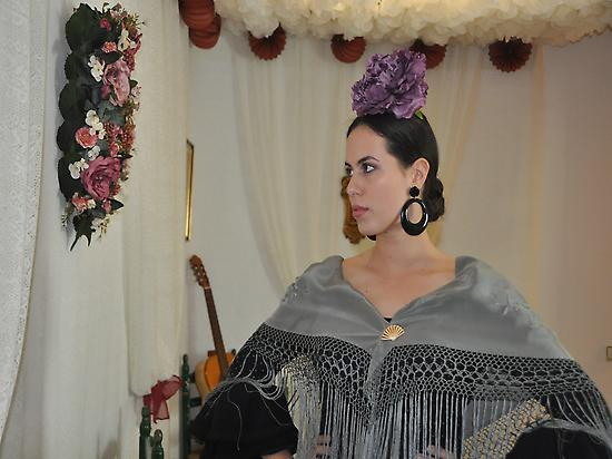 Portrait of a single flamenca.
