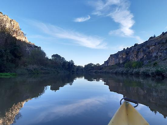 Canoeing along the Duero river