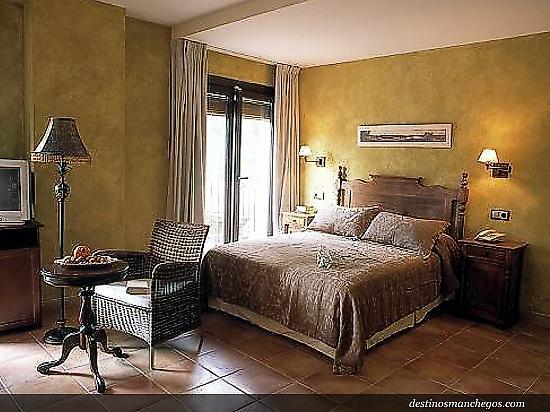 Doña Manuela Hotel
