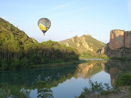 Balloon flight in Montsec