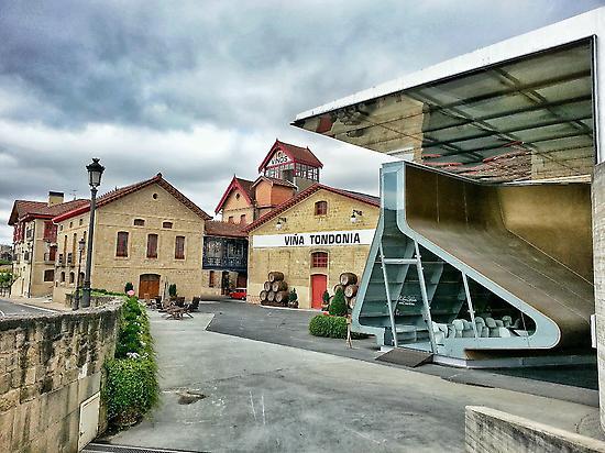 Walk between centennial wineries