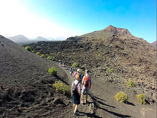 Caminando por coladas de lava