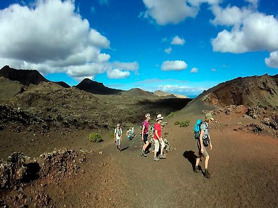 Cenizas volcánicas y cráteres