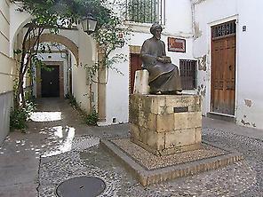 Maimónides Monument.