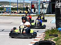The family´s enjoying in the Karting
