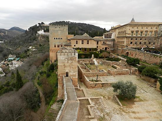 Granada and the Alhambra Tour from Sevil