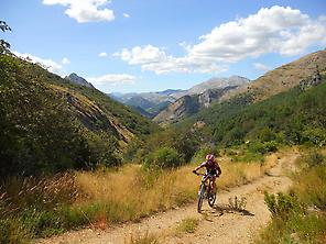 Going up to Collada Mental from Remolina