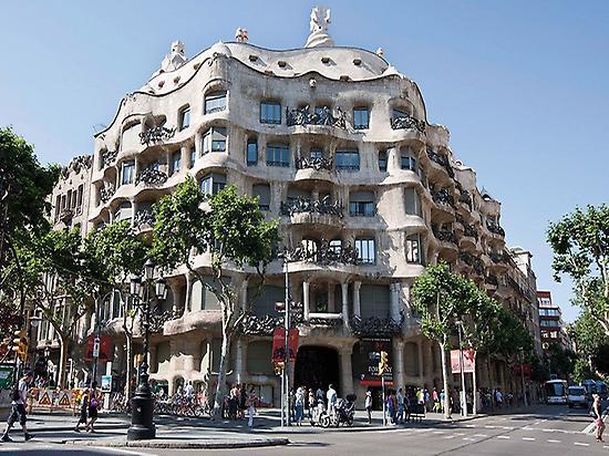 Paseo de Gracia and Casa Batlló