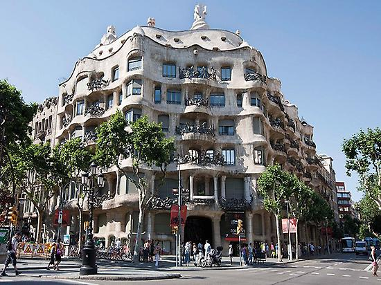 Paseo de Gracia and Casa Batlló
