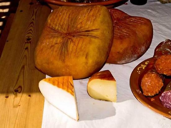 Artisan cheeses and sausages Menorca