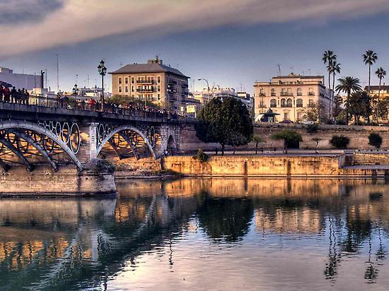 Sevilla Tour(Africa Mayi Reyes)