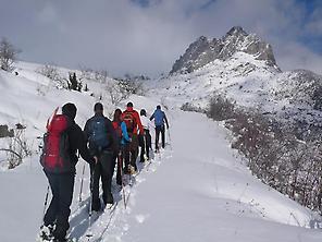 Ascensión con raquetas de nieve Astún