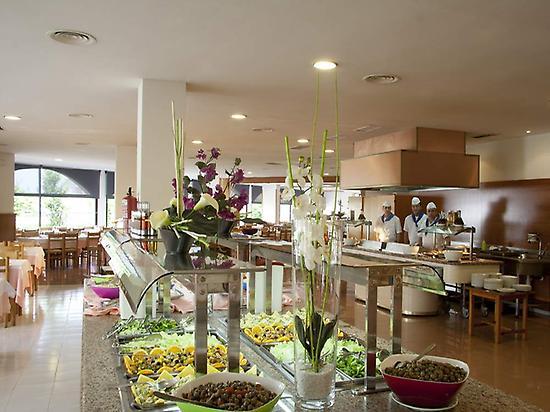 Büffet im Hotel Gran Garbi