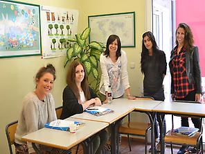 Students at TLCdénia school