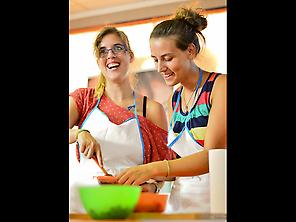 Students during a gastronomy workshop.
