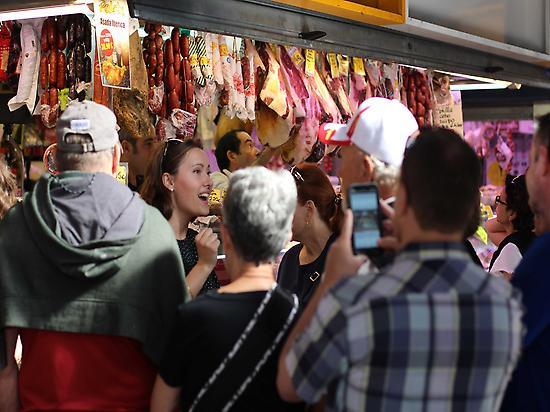 Tapas tour & Market Vist in Malaga