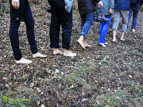 group barefoot