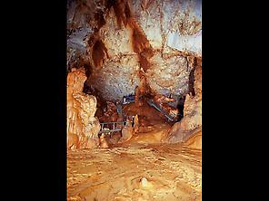 Cueva de Pozalagua