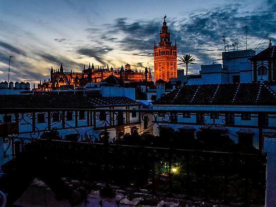 Saborea Sevilla frente a la Giralda