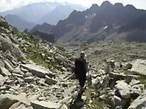 Circular Tour of Posets. Aragon Pyrenees