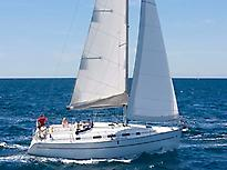 Blue Magic Catamaran et Voiliers
