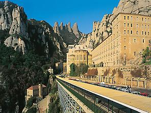Premium Montserrat & Gaudí