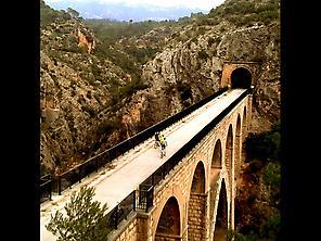 Vía verde - Viaducto con túnel