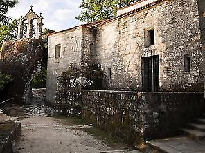 Ribeira Sacra: among monasteries, castle