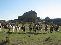 Participantes a Caballo en los Barruecos