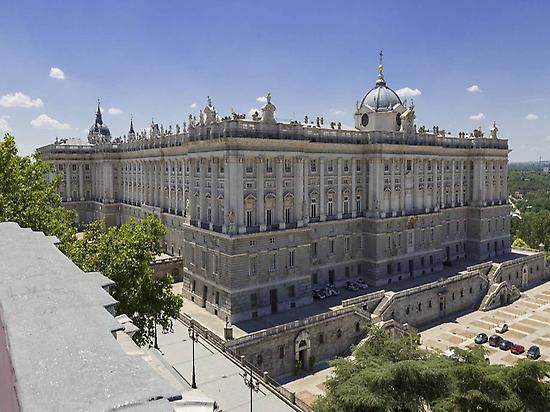 Royal Palace and Gardens