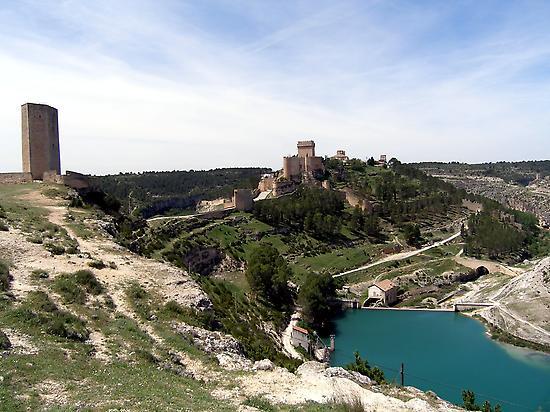 Vista de la villa medieval de Alarcón