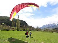 Paragliding flight in Loarre