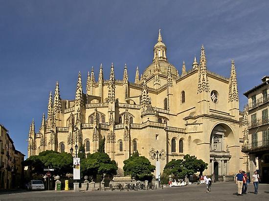 Segovia and Ávila from Madrid Wi...