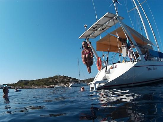 Swiming from the boat