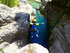 Family Canyoning with kids pyrenees