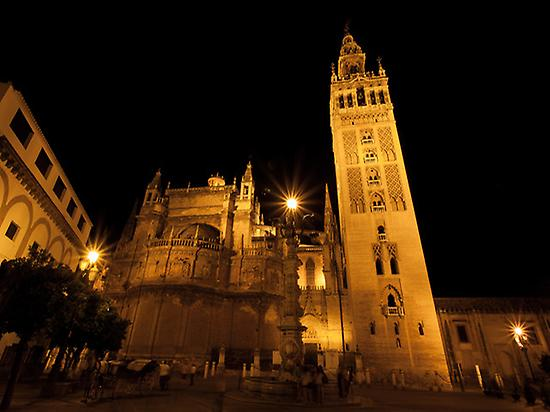 Views of Cathedral and Giralda