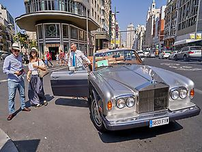 Tour en Rolls Royce convertible.