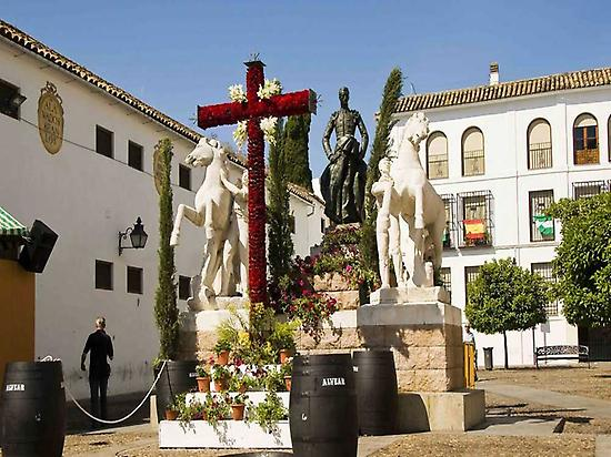 May Crosses Cordoba