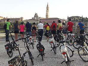 See the best of Zaragoza by bike.