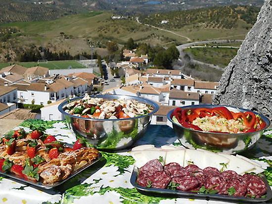 A gourmet picnic along the way