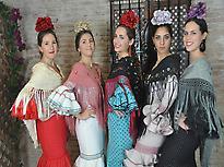 Grupo de flamencas en el Patio Sevillano