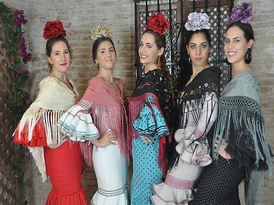 Group of flamencas.