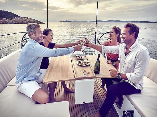 Friends in sailing trip