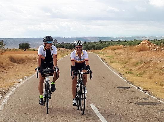 Bicicleta, carretera, aventura