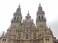 La fachada principal de la Catedral de S