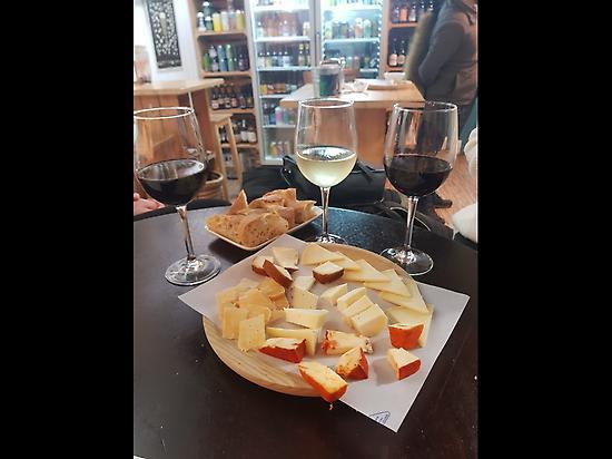 Degustación quesos y vinos Gallegos