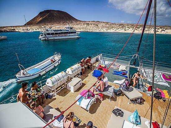Almuerzo en el catamarán