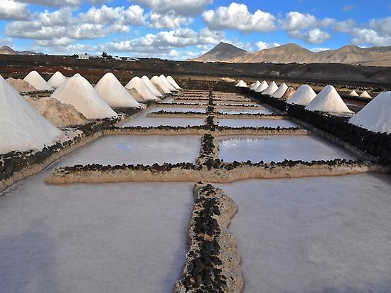 Janubio salt flats