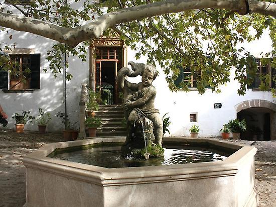 The Fountain - Jardines de Alfabia